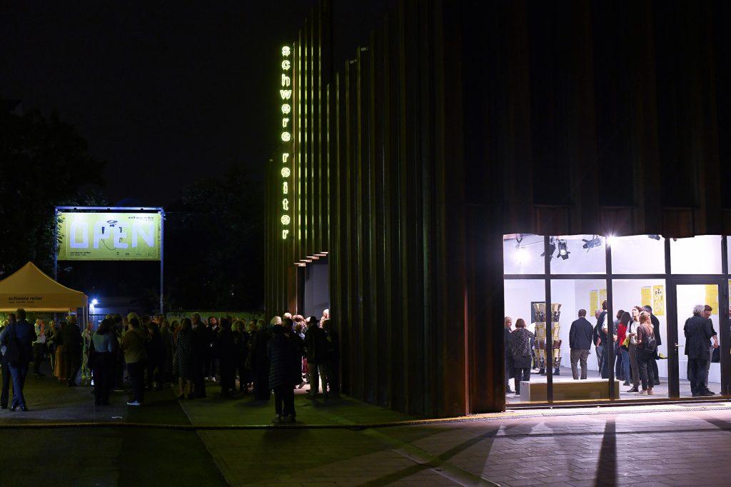 """Der schwere reiter Neubau ist jetzt """"geöffnet – we are open""""   seit Fr. 17.09. & Sa. 18.09.2021"""